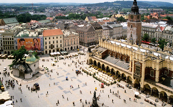 Top_10_cheapest_places_to_visit_in_europe_Krakow_Poland
