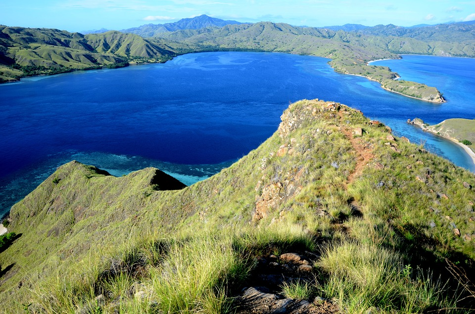 komodo islands alternative holiday destination